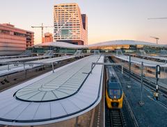 Utrecht Centraal - największy dworzec kolejowy Holandii
